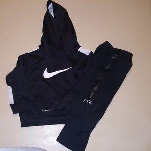 Nike ThermaFit Set
